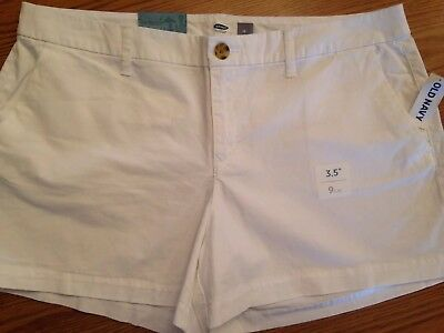NWT Old Navy Women's 3.5 Inch White Khaki Shorts Size 12 **FREE SHIPPING**