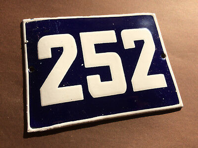 ANTIQUE VINTAGE ENAMEL SIGN HOUSE NUMBER 252 BLUE DOOR GATE STREET SIGN 1950's