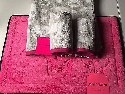 Betsey Johnson Bath Hand Wash 3 Towels Set With Mat Rug Skull Gray Pink