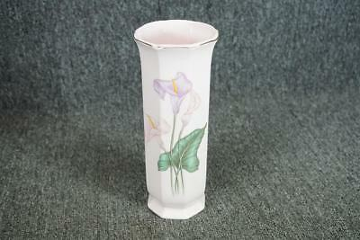 Toyo Pink Floral Bud Vase With Floral Tulip Design Made In Japan