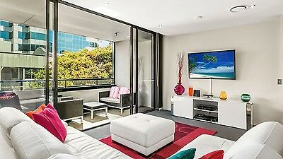 GOLD COAST ACCOMMODATION Circle Apartments Entertainer 2 Bedroom 5 Nights $895