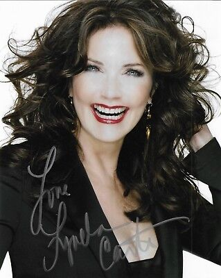 "LYNDA CARTER ""Wonder Woman"" Autographed 8 x 10 Signed Photo COA"