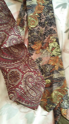 MEN'S VINTAGE 80s PURE SILK MADE IN ITALY PAISLEY NECK TIE