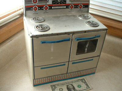 Vintage Wolverine Toy Company Lithograph Steel Tin Stove Oven 4 burners