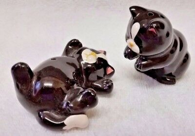 Vintage Takahashi Salt & Pepper Shakers -Cute  Cat Design Excellent Great Gift!