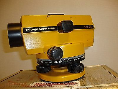 Chicago steel tape cal 28  cst/berger surveying construction level w/ case USED