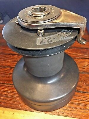 "Barient 27 St Two Speed Winch 6 3/4"" Base, 8"" Tall (Comparable To Lewmar 46 St)"