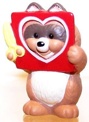 1993 NEW Hallmark Valentine Merry Miniature RACCOON With HEART QSM8062 NeverUsed
