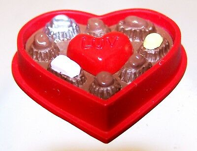 1993 NEW Hallmark Valentine Merry Miniature BOX OF CANDY Mint Never Used QSM8095