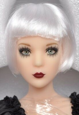 ANNORA Phyn & Aero STRENGTH OF CHARACTER DRESSED DOLL New Tonner