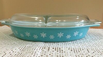 Vintage Pyrex Glass Turquoise Blue Snowflake 1.5 Qt Divided Covered Casserole