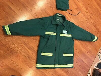 Hess Gas Station Jacket with removable Hood Winter Coat Vintage large. RARE!