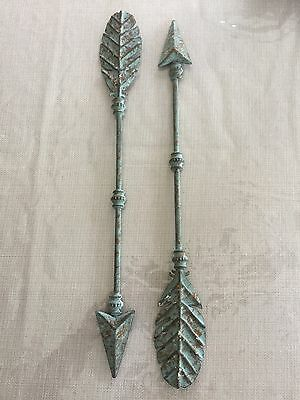 "TWO Decorative 20"" Distressed Turquoise  Metal Arrow Antique Look Wall Art Decor"