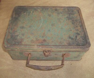 Vintage 1940's Green Metal Lunch Box With  Handle