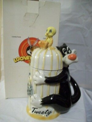 WB Looney Tunes Sylvester Tweety Collectible Stein with box