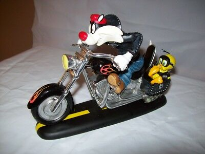 WB Looney Tunes Sylvester Tweety Motorcycle Statue Figurine Feud For The Road