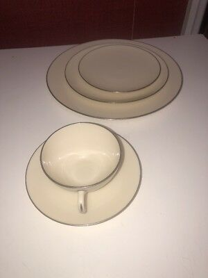 Lenox China Olympia Platinum 5 Pc Place Setting - Made In Usa Mint