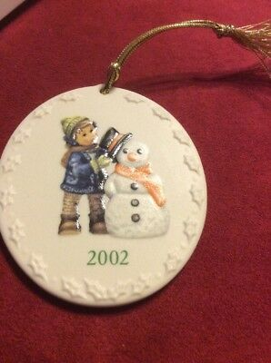 Berta Hummel Goebel Snowman 2002 Ceramic Ornament new perfect fit F11541-1