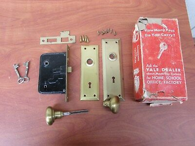 1930's - 1940's Vintage Yale Door lock set with box, never installed
