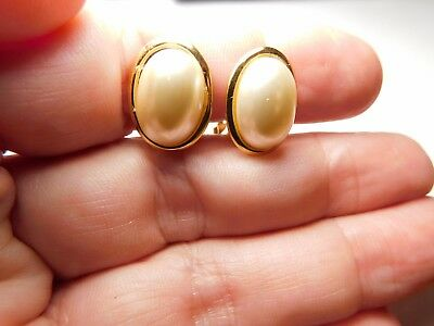 Vintage Signed Napier Gold Tone Metal Off White Oval Faux Pearl Clip On Earrings