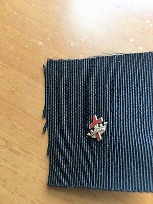 Vintage Knights Templar Masonic 14K Gold Red Guilloche Cross Lapel Pin