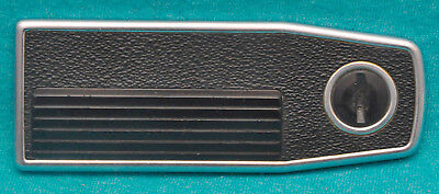 Hasselblad Battery Cover Plate f/ 500ELX, 500ELM, 500EL. Operates Perfectly