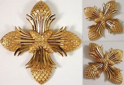 GORGEOUS Vtg Crown Trifari SIGNED Designer Maltese Cross Pine Cone Brooch Pin