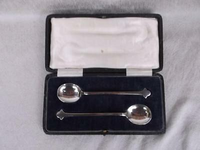 667 / Antique Pair Of Arts And Crafts Silver Plated Spoons In Silk & Velvet Case