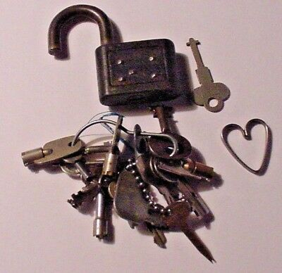 Antique Vintage Mixed Key Lot Some Very Rare & Old