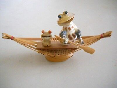 Vintage Wooden Boat w/Seashell Figurines Made in Taiwan Republic of China