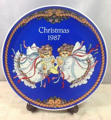 """1987 Lucy & Me 8"""" Christmas Plate w/Easel Two Teddy Bear Angels New In Box"""