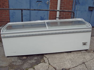 COMMERCIAL CHEST FREEZER AHT WIDTH 2.5m Delivery around M60 £30