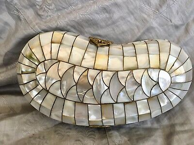 Stunning Vintage Mother Of Pearl Brass Filigree Clutch Purse Suede Liniing !