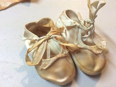 Vintage Mrs Day's Baby Slippers & Shoes Size Zero On Both Pairs Lot Of Two