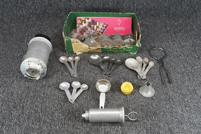 """Mirro """"Cooky And Pastry"""" Press W/3 Cones & 12 Discs"""