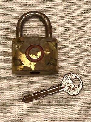Vintage WAYNE Brass Toned Metal Padlock Lock WORKING WITH KEY Made in the USA