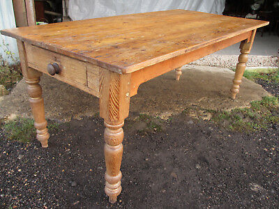 Victorian pine 6ft kitchen table with 2 cutlery drawers. (556)