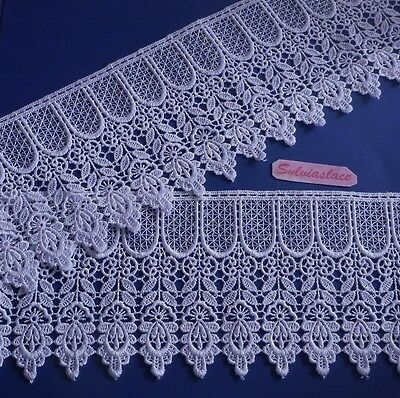 1  metre  of   Stunning   Whit e  Guipure   Lace   12.50  cm  Wide