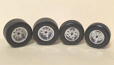 WHEELS - Set of 4 Chrome 8 Hole with Disc Brakes & Calipers, Axles 1:18 scale