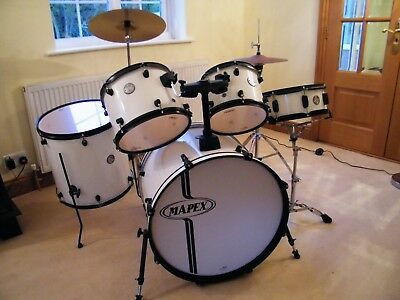 Mapex Voyager Drum Kit 5 Piece Set With Stool And Accessories