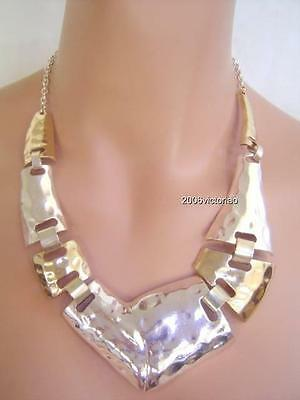 New BEBE in Silver Gold Asymmetric Hammered Geometric Necklace Neu Halskette
