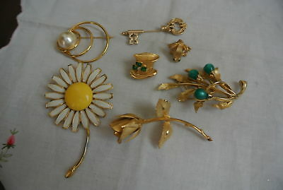 Lot of 7 Gold toned Signed Vintage Brooch Pins Weiss Avon Giovanni Napier Emmons