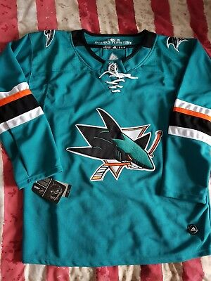 official photos 131f9 25121 BNWT SAN JOSE Sharks 2018 NHL Jersey