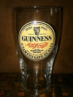 RARE Guinness Extra Stout (Arthur Guinness Signed)  BEER Pint GLASS 568ml AS NEW