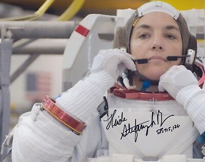 Heidemarie Stefanyshyn-Piper Signed 8X10 Photo NASA Astronaut Autographed Navy
