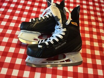 Bauer Hockey Skates - Boys Size 5. Excellent Condition - Used Once