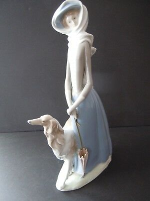 Gorgeous Lladro Lady with Greyhound #4594 Excellent Condition No cracks or chips