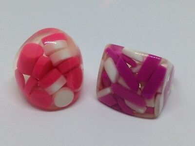 Lot of 2 Vintage Chunky Clear Lucite Cocktail RINGS Embedded Pink PILLS Sz 8.5