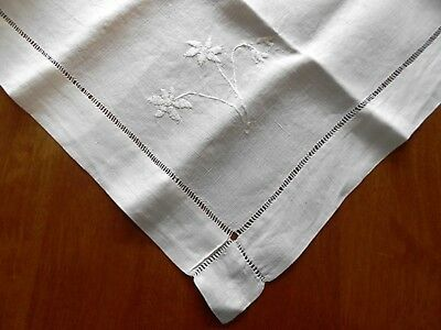 Vintage IRISH LINEN Embroidered White on White Supper TABLECLOTH 90cm sq