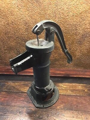 20770 Antique Vintage Cast Iron Farm Well Water Kitchen Hand Pump / Primitive